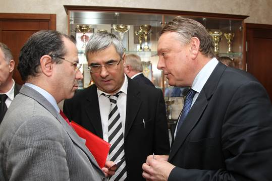 Amédéo Mantovan (PNB), Evgeny Stenshin (Laboratory of Strategic Development and Market Monitoring - NIAEP) et Nikolay Y.Leontiev (Director's Advisor - NIAEP)
